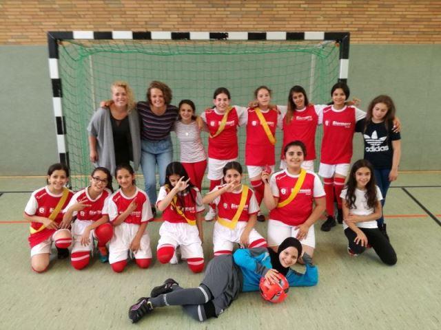 Mädchenfußballteam_2