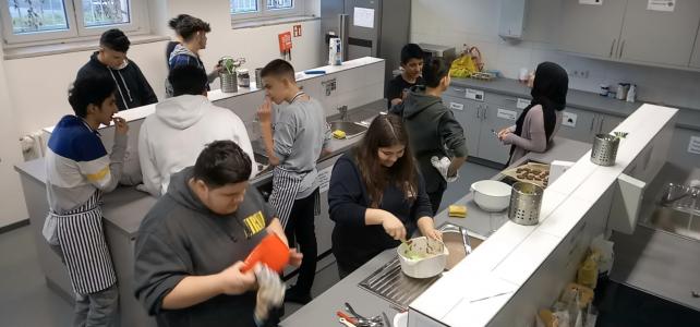 AP-Kurs Jgst: 9 – Wir sammeln für (soziale) Wärme! – Auftaktveranstaltung