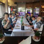Profis am Ball und bei Tisch – BVB-AG nimmt am Etiketten-Workshop teil